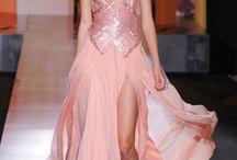 Gorgeous Gowns / by Amelia-Jane Levchenko
