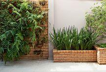 Jardineira de varanda / Jardineira tijolos aparentes