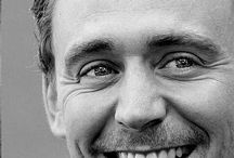 Hiddle's army / Tom hiddleston