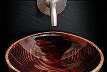 Дерево против керамики: 7 необычных решений / Не все знают, что глина - капризный материал и работа с ней полна неприятных сюрпризов. Трещины, деформация при обжиге и отслаивающаяся глазурь становятся проблемой даже для опытных мастеров. Некоторые дизайнеры, устав от огорчений, решили заменить керамику ... деревом, другим капризным материалом) Смотрим, удивляемся, обсуждаем функциональность.