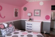 Girls bedroom ideas / by Missy Garcia