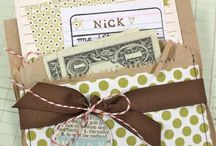 unique gift wrapping ideas / by Melissa Davis