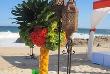 Tropical beach wedding / Tropical wedding flowers