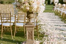 Rustic chic wedding. / Blush,cream and gold