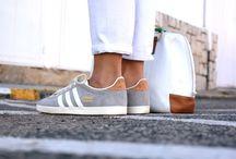 vestindo -pés