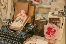 Delicate vintage / Vintage treasures a door open to discover past finds....