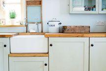 Florystyczny trend w kuchni / Motywy kwiatowe, jasne barwy i ciepło - do takiej kuchni chce się wracać!