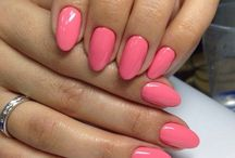 Almond Shaped Nails / How to get and create almond shaped nails DIY with instructions and stunning short and long almond nail designs, from black, white and pink almond nails. - http://beautifieddesigns.com/almond-shaped-nails/