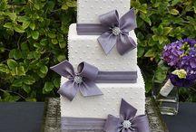 Lila bröllopstårtor
