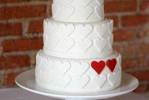 Bolos de casamento / Para que sirvam de inspiração para aquele dia tão especial , vi estes e adorei ;)