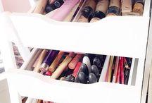 Makeup beauty / Beauty and makeup