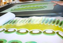 Deux parterres, un reflet, par Jane Harris / Le travail d'interprétation tissée et la réalisation de la pièce de Jane Harris, 4e Prix 2013 de la Cité internationale de la tapisserie, autour de la thématique de la verdure.