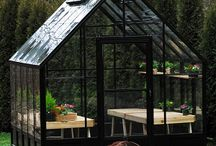 archi green glass house