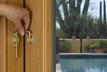 Kunci pengaman pintu