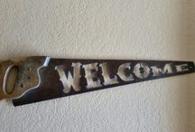 Antique Decor Welcome Saw
