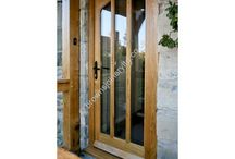 BR01 Glazed Gothic Style / A Glazed options for this oak door looks letting light into the home.....