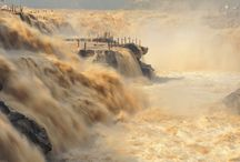 Beautiful Pictures of Hukou Waterfall, China / Hukou Waterfall is the second largest waterfall in China and the largest on the yellow river. The width of this waterfall often changes with the season. Beneath the waterfall is the Qilangwo bridge which connects the two provinces of Shanxi and Shaanxi. Check out these Beautiful pictures of Hukou Waterfall, China.