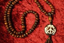 Handcrafts / Check out these traditional handcrafted necklaces, bracelets, lamps and many more beautiful hand-made objects.