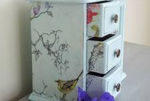 Boo's Vintage Hand Painted Jewellery Boxes / Beautiful hand painted wooden jewellery boxes, jewelry cabinets and jewellery storage. Commission your own unique jewellery box. Message me to discuss