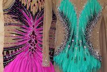 kostiumy