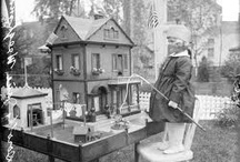 Dolls & Doll Houses / by Jacqueline Poulin