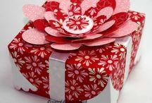 Cajas de regalo / by Rosanna Noriega Biggio