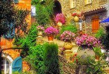 Çiçekli Fransa yolu