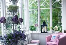Shabby chic / Lots of shabby chic and French chic decor ideas for living spaces.