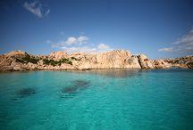 La Maddalena  / La Maddalena è un comune di 10.793 abitanti della provincia di Olbia-Tempio ed è costituito dall'arcipelago di sette isole principali e altri isolotti minori. - Sardegna