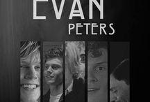 Evan Peters aaaaaa meoamor