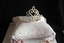 tiara pillow cake