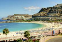 Gran Canaria / Ferieperlen Gran Canaria på De Kanariske Øer er et minde for livet. Øen har alt! Der er smukke strande, en fascinerende natur, gode shoppingmuligheder, lækker tapas, spændende udflugter - det er et must at besøge Gran Canaria! Se mere på www.apollorejser.dk