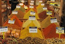 Spicy fragrances / Spices: colors and fragrances