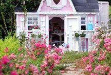 THE SECRET GARDEN / Colorful outdoor