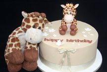 Giraffe Theme Cake and Cookies / Fan shares by our customers making Giraffe themed cakes, perfect for Christenings, New Baby and even Birthday's! Part of PartyAnimalOnline's Animal Shares.