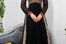 costume designer indian 2017 / Anarkali salwar kameez est un matériau de robe la plus élégante et traditionnelle de la femme moderne qui préfère regarder encore à la mode traditionnelle . Il vient dans diverses conceptions différentes comme le style A- coupe et V profond col .  http://www.andaazfashion.fr/salwar-kameez/anarkali-suits