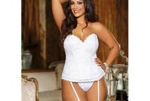 Plus Size Lingerie for Ladies who know that Big is beautiful! / Plus size lingerie for ladies who know that Big is Beautiful including Plus Size Bridal Lingerie