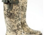 Boots and shoes / by Tammy Crosby