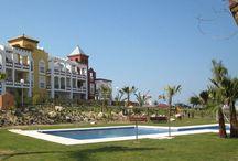 Vakantiehuizen Costa de la Luz / Op dit bord tref je een aanbod van vakantiehuizen in de regio Costa de la Luz te Spanje aan. Deze zijn veelal online via onze website Recreatiewoning.nl te boeken. Het huuraanbod op onze site is afkomstig van zowel particulier als zakelijke verhuurders.