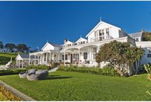 New Zealand's Most Beautiful Waterfront Homes / There are some gorgeous properties nestled around the coast of New Zealand.