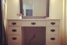 DIY Vanity  / Black and white DIY VANITY
