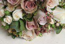 Flowers / Floral arrangements and bouquets.