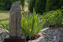szpilki głazy / www.gnejsy.pl kamień naturalny do ogrodu, kruszywa dekoracyjne, kora kamienna, płytka, głazy ogrodowe, szpilki, otoczaki, stone bark, garden boulders, monoliths, pebbles,