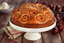 Kaker med bær eller frukt