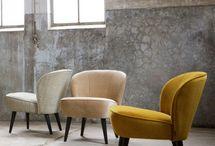 Woontrends 2018 | LUMZ / De trends van 2018 zijn helemaal into messing, marmer en velvet. Je creëert een luxe uitstraling met deze materialen. Qua kleur zit je goed met donkerblauw, donkergroen en heartwood.