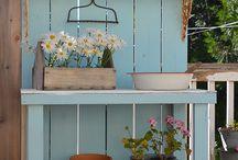 flower potting table