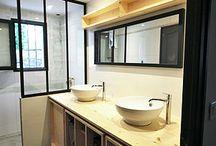 Cuisine / salle de bain / Ces espaces pratiques et fonctionnels font partie de notre quotidien. Leur esthétisme et chaleur nous accompagnent et nous motivent souvent pour la journée.