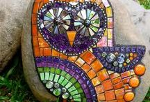 Mosaik - garden / Ideas for outdoor mosaics from tiles and stones