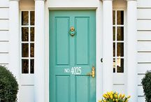 Welcome / One colourfull house, inspired by the front door. Come on in!