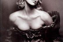 blonde beauties / by Martha Leon